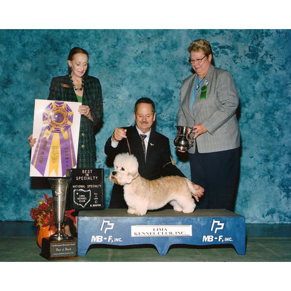 2009 MBIS/BISS CH King's Mtn. Minnie Mouse owned by Don Watkins and Sandra Pretari Hickson